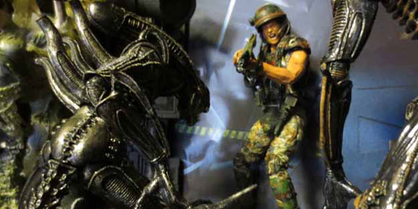 aliens-2pack-feat