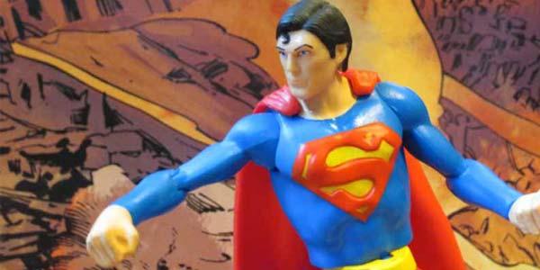 dc-multiverse-superman-feat