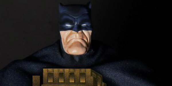 mezco-dkr-batman-feat