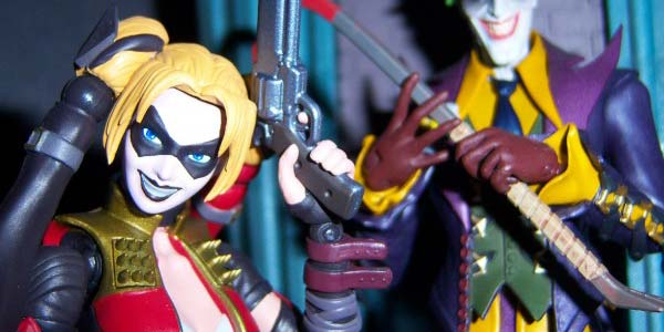 harley-quinn-figuarts-feat