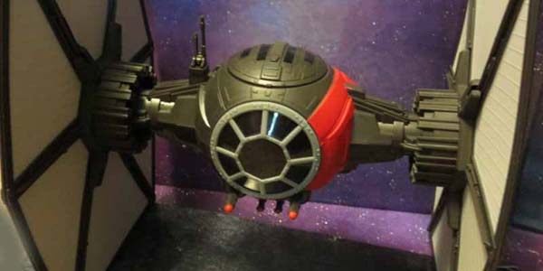 First-Order-Tie-Fighter-fea