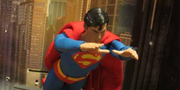 NECA-Superman-feat