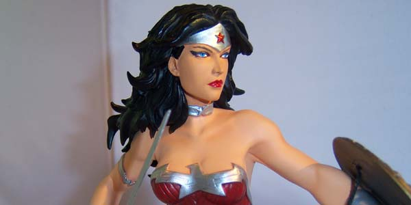 wonder-woman-bust-DC-Collec