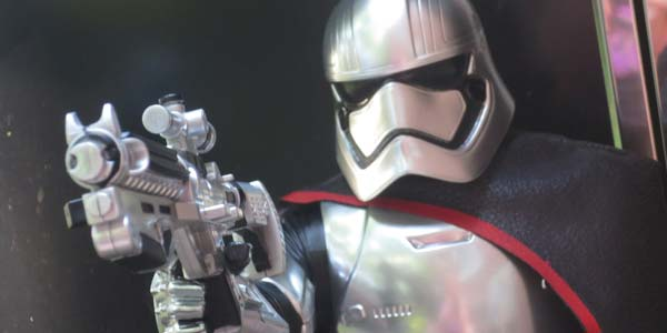 SW-captain-phasma
