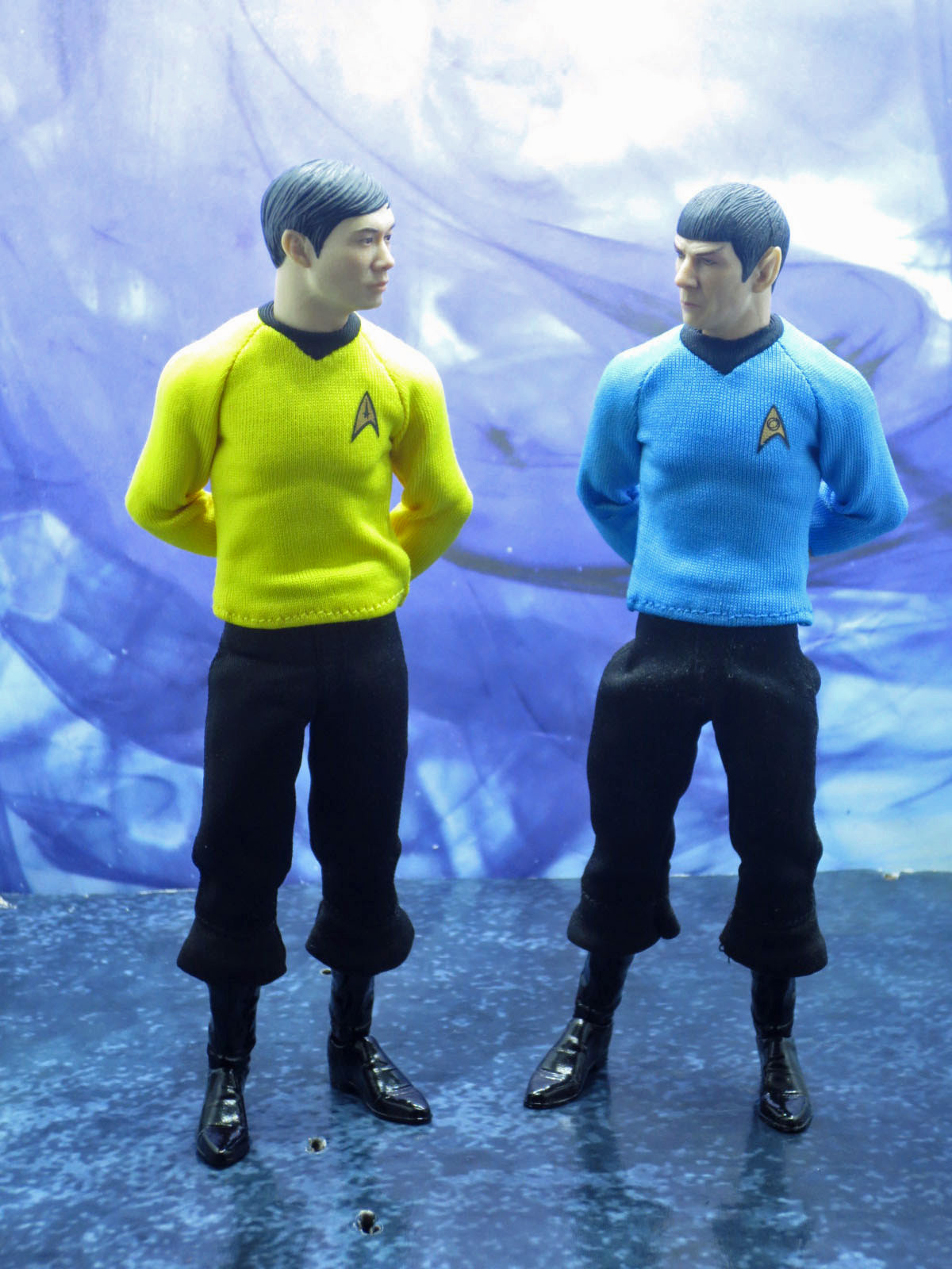 Mezco One 12 Mr Sulu 011