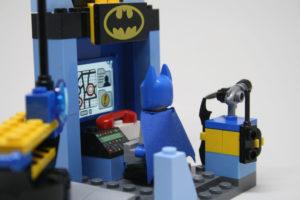 LEGO Junior Batcave Kastors Korner 11