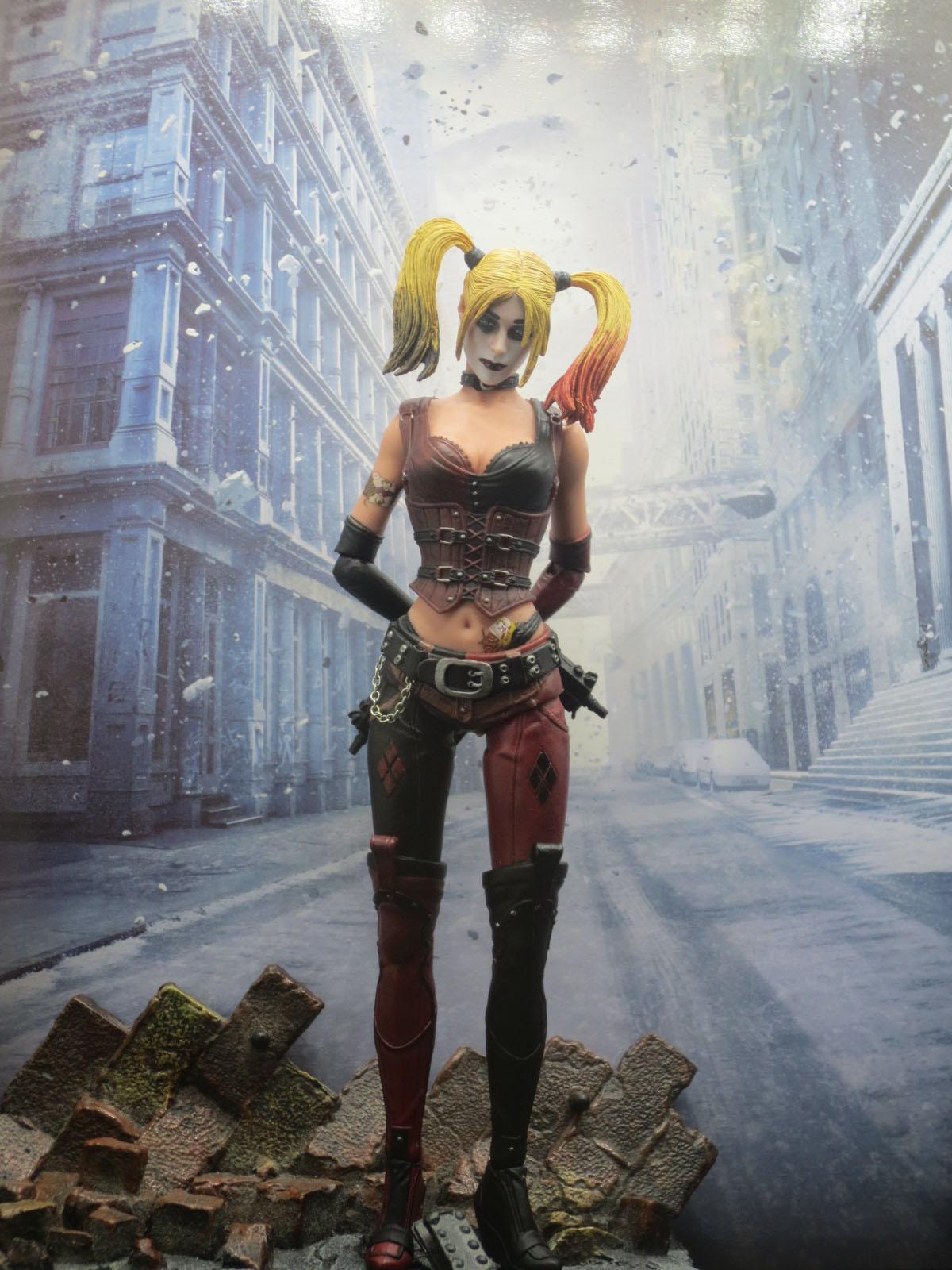 Batman Arkham Knight Harley Quinn Collectible Statue